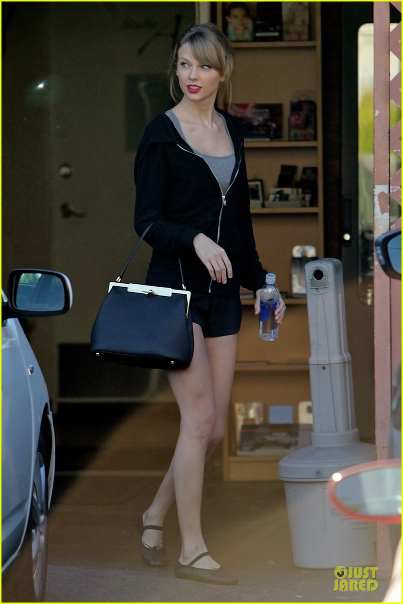 taylor swift dance studio practice after grammy performing news 033031413