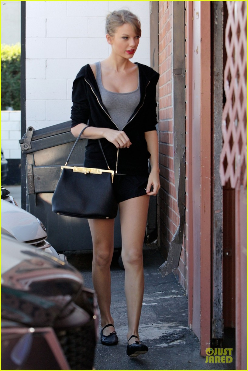 taylor swift dance studio practice after grammy performing news 053031415