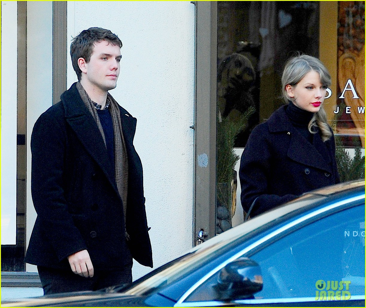 taylor swift brother austin go shopping in new york city 073026485