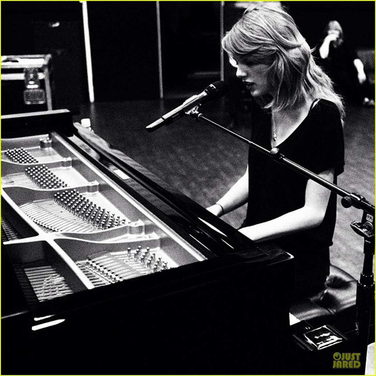 taylor swift what song should i sing at the grammys 053040190