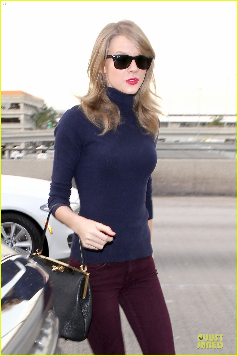taylor swift i remember to stay in touch with best friends 023043077