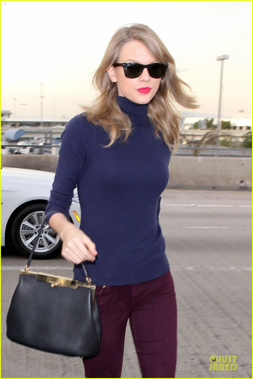 taylor swift i remember to stay in touch with best friends 063043081