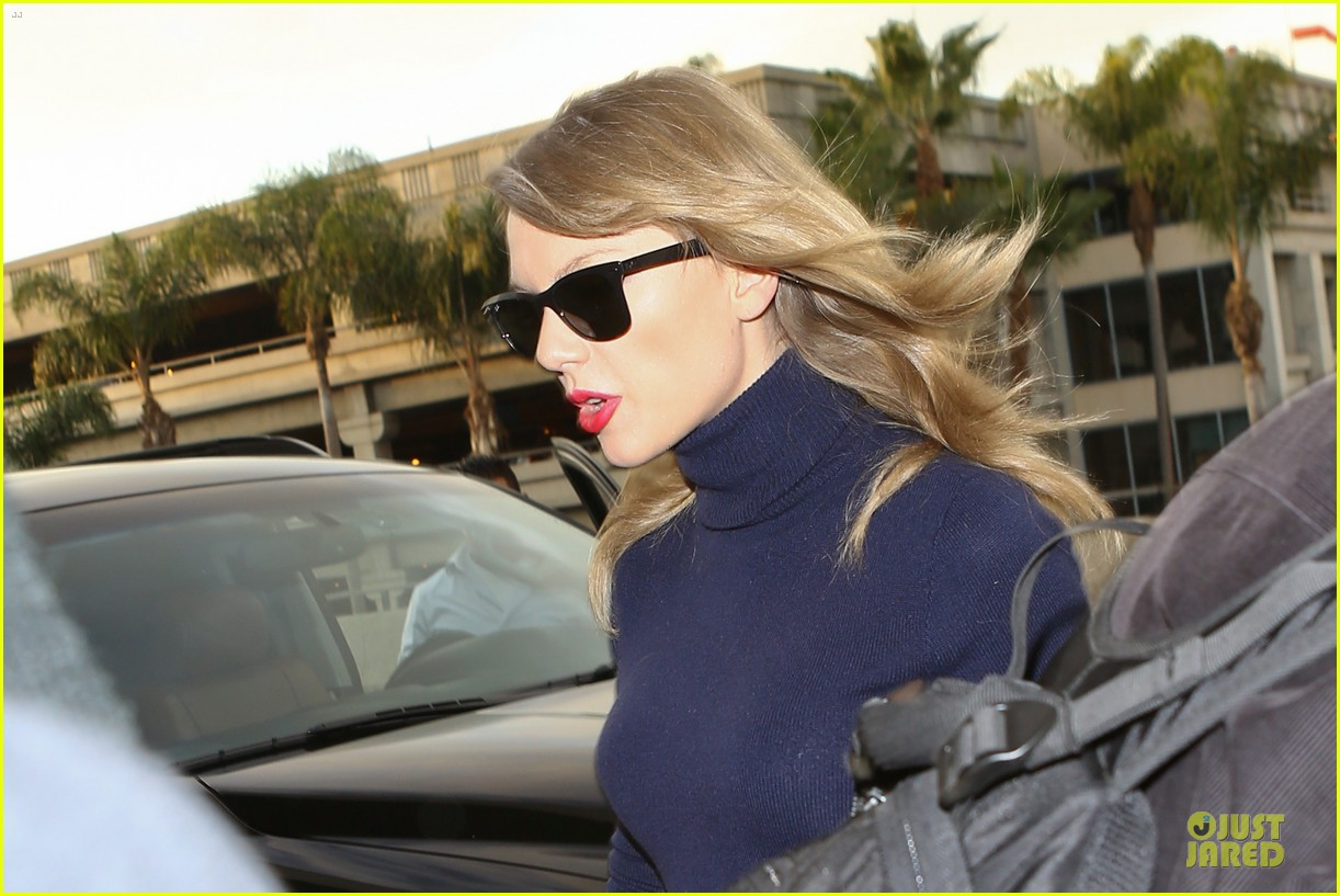 taylor swift i remember to stay in touch with best friends 083043083