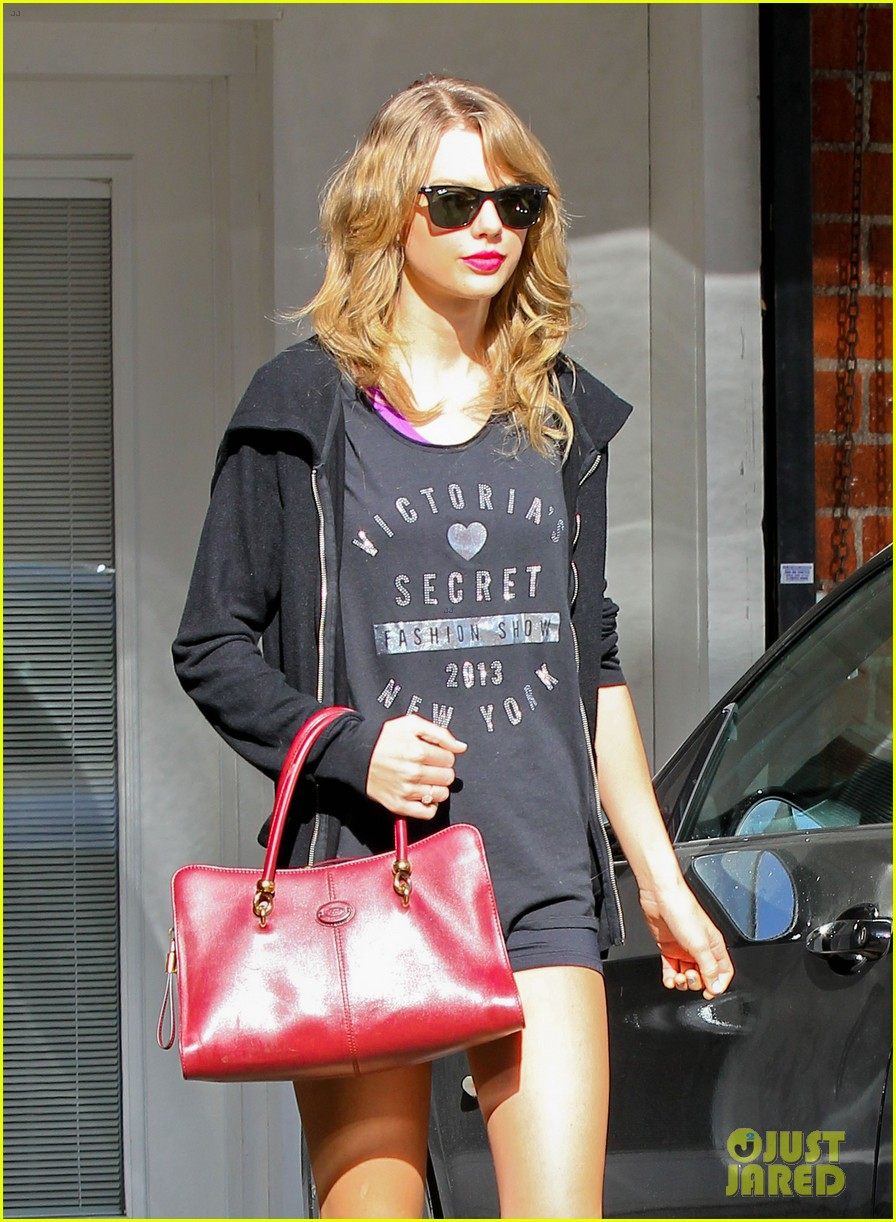 taylor swift shows victorias secret pride at the gym 153023947
