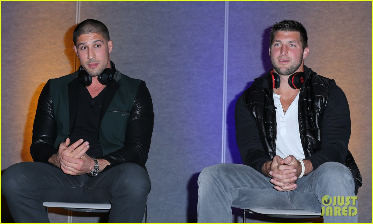 tim tebow soul electronics ces 2014 conference 033026121