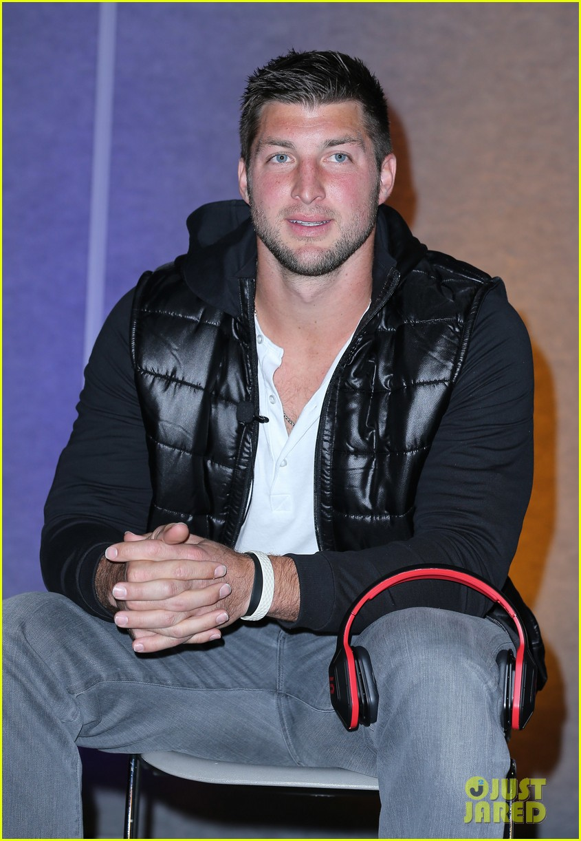 tim tebow soul electronics ces 2014 conference 083026126
