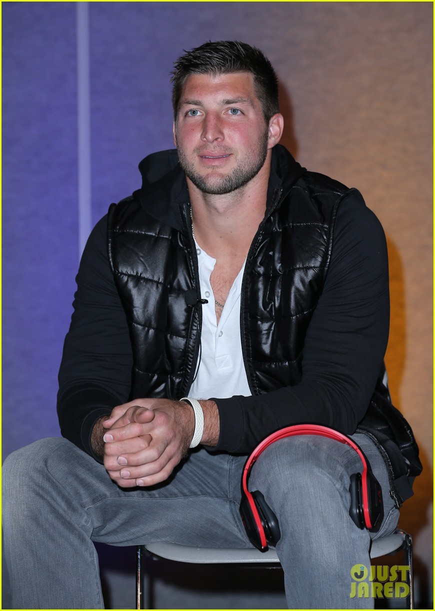 tim tebow soul electronics ces 2014 conference 093026127