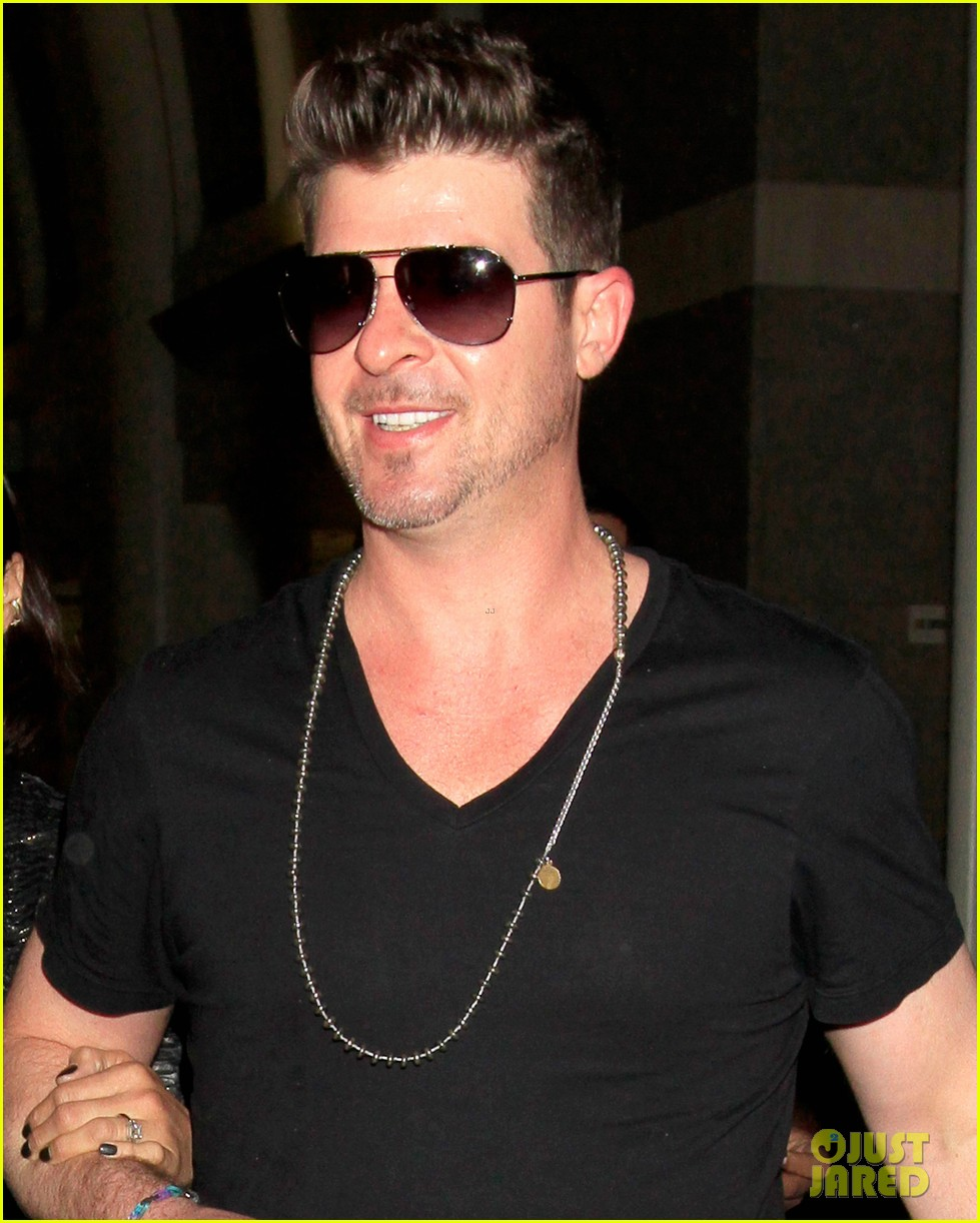 robin thicke paula patton from miami to lax 063021392