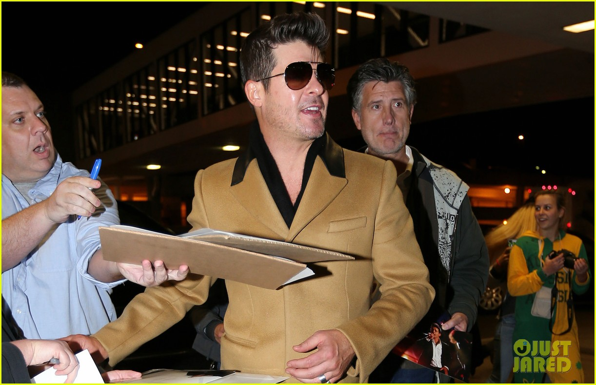 robin thicke looking forward to blurred lines tour 043042824