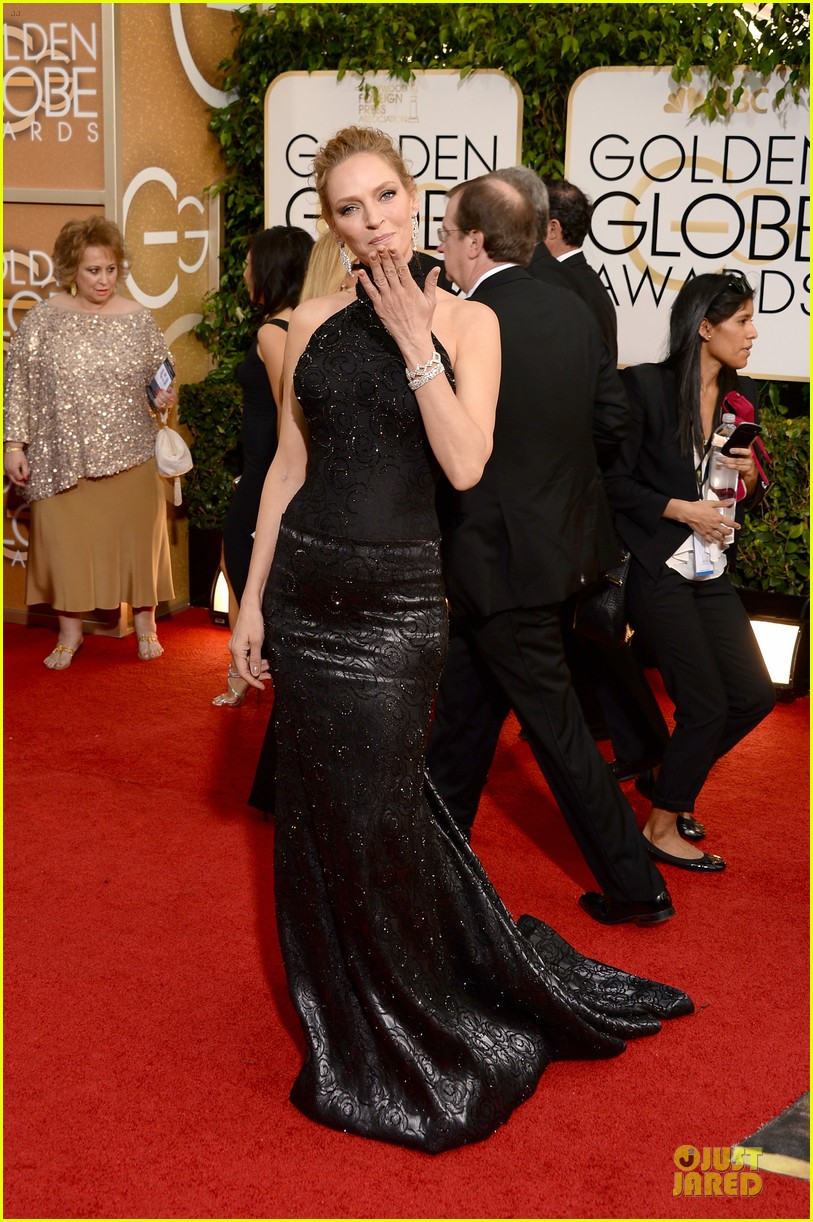 uma thurman chris evans golden globes 2014 presenters 06