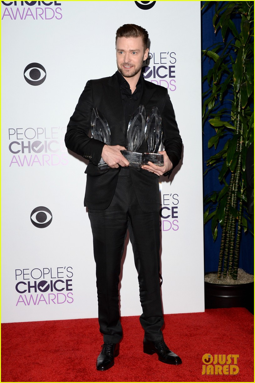 justin timberlakes peoples choice award almost stolen by ellen degeneres 023025614
