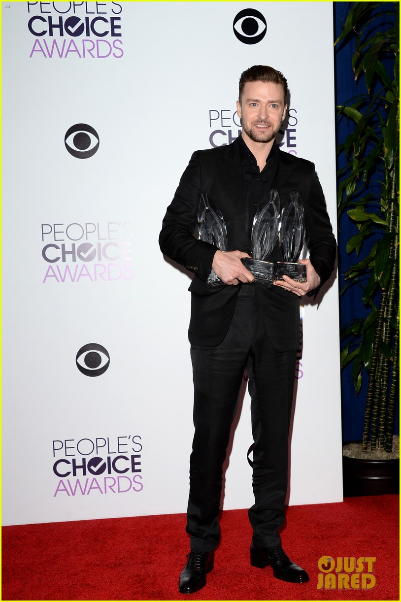 justin timberlakes peoples choice award almost stolen by ellen degeneres 043025616