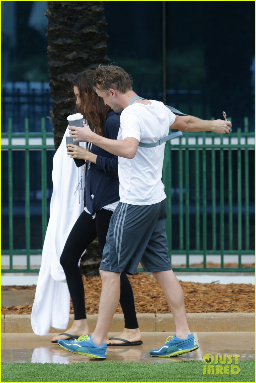 tom felton jade olivia rainy day dog walk 153021022