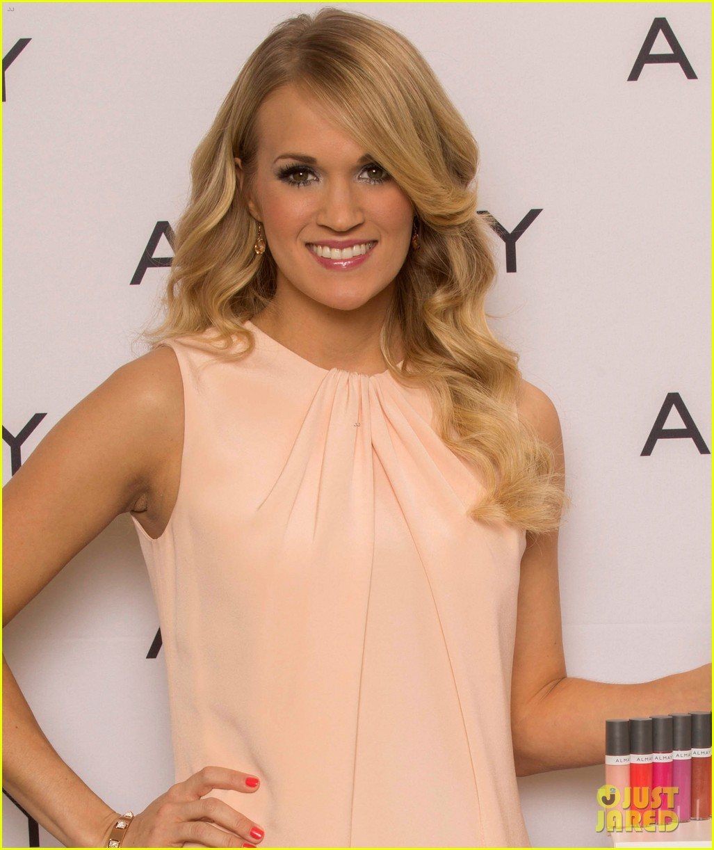 carrie underwood welcomes almay to nashville 013038341