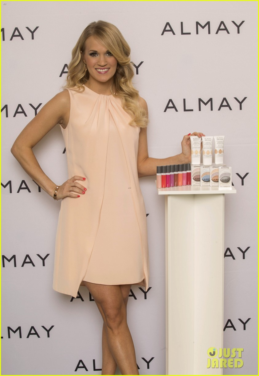 carrie underwood welcomes almay to nashville 033038343
