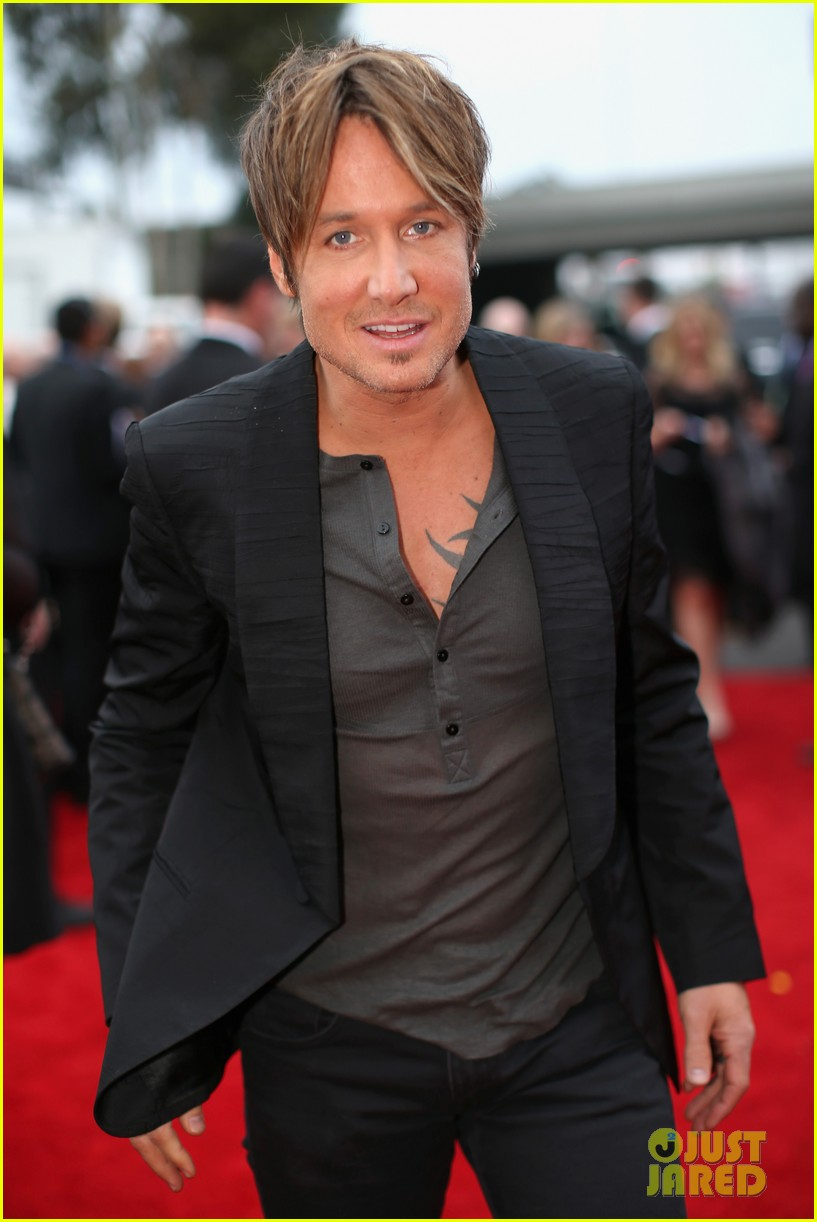 keith urban grammys 2014 red carpet 01