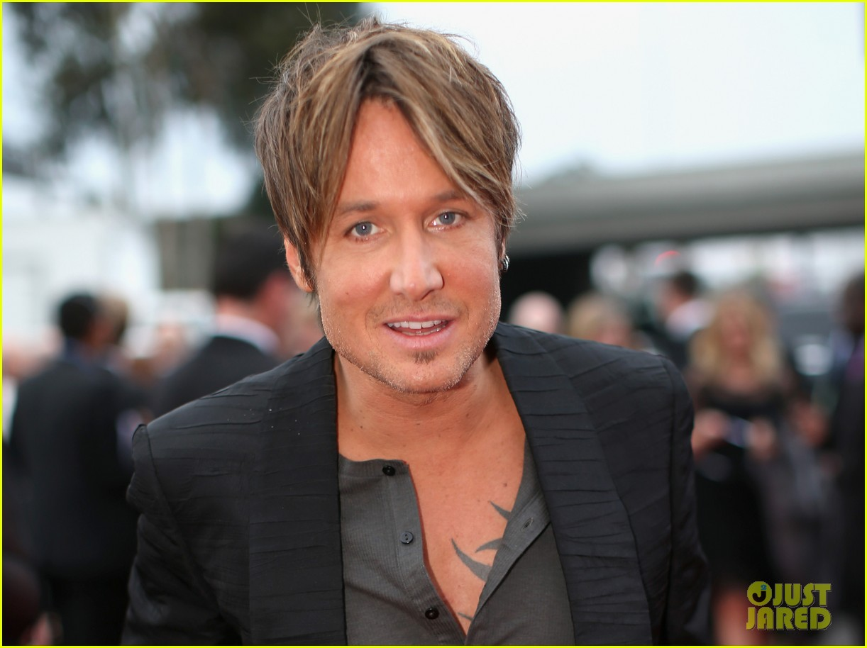 keith urban grammys 2014 red carpet 05