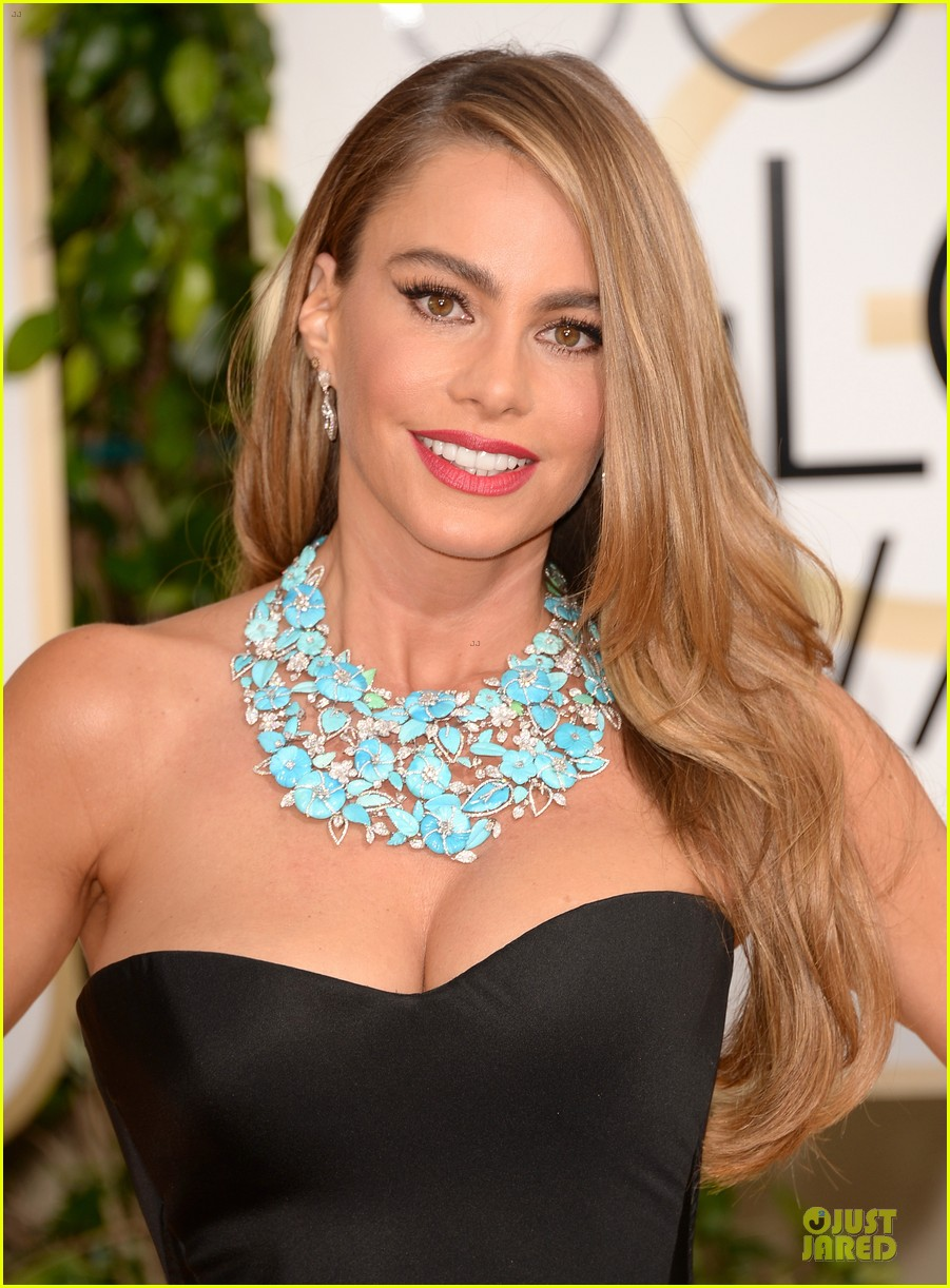 sofia vergara golden globes 2014 red carpet 023029296