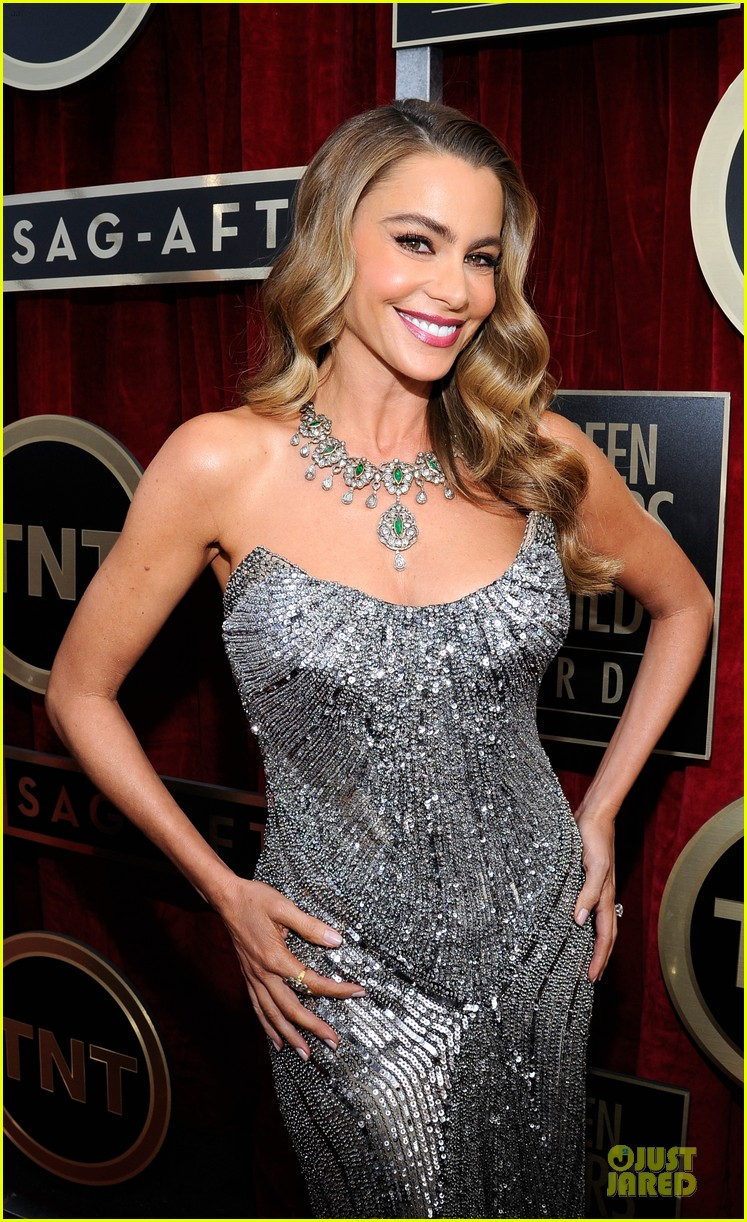 sofia vergara julie bowen sag awards 2014 red carpet 023034697