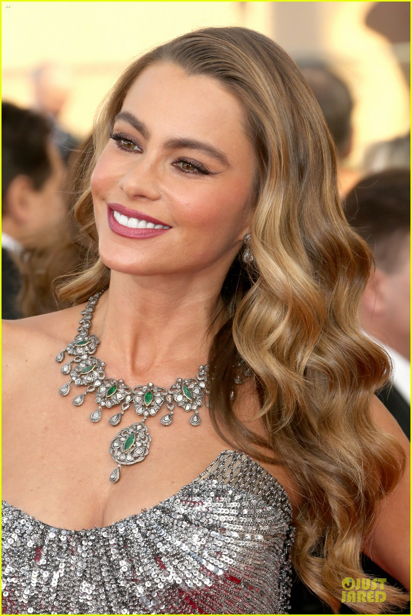 sofia vergara julie bowen sag awards 2014 red carpet 123034707