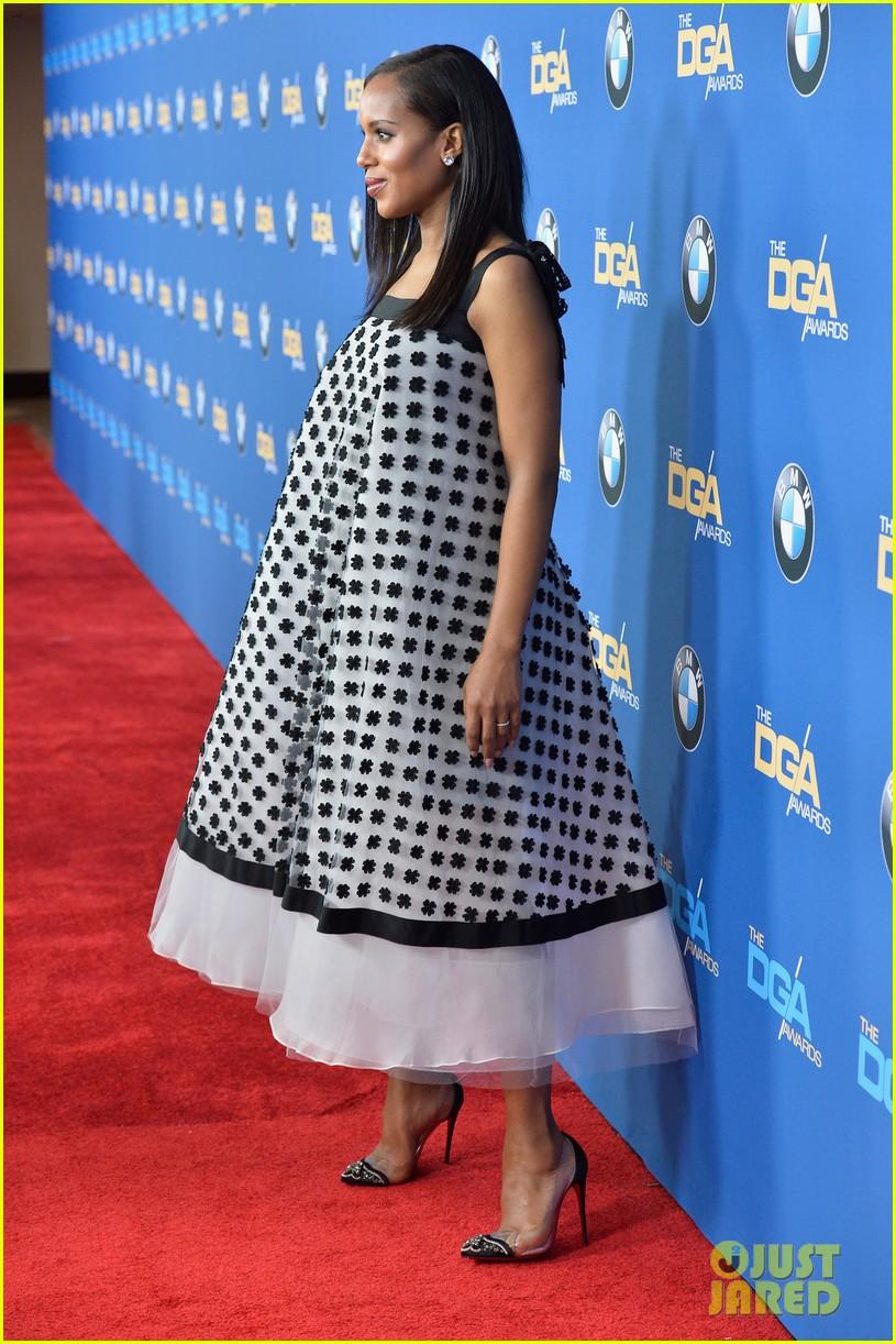 kerry washingtons baby bump fills out dress at dga awards 013040259