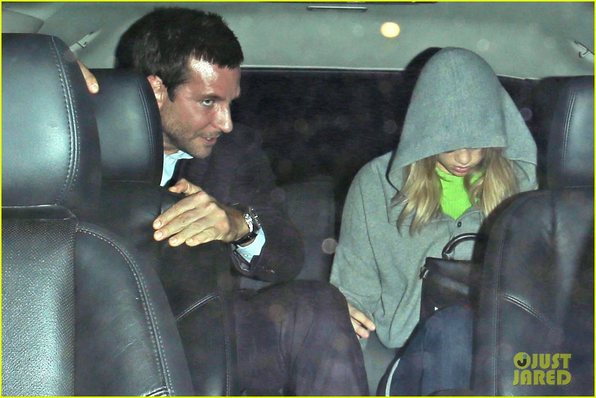 bradley cooper suki waterhouse critics choice after party 063033354