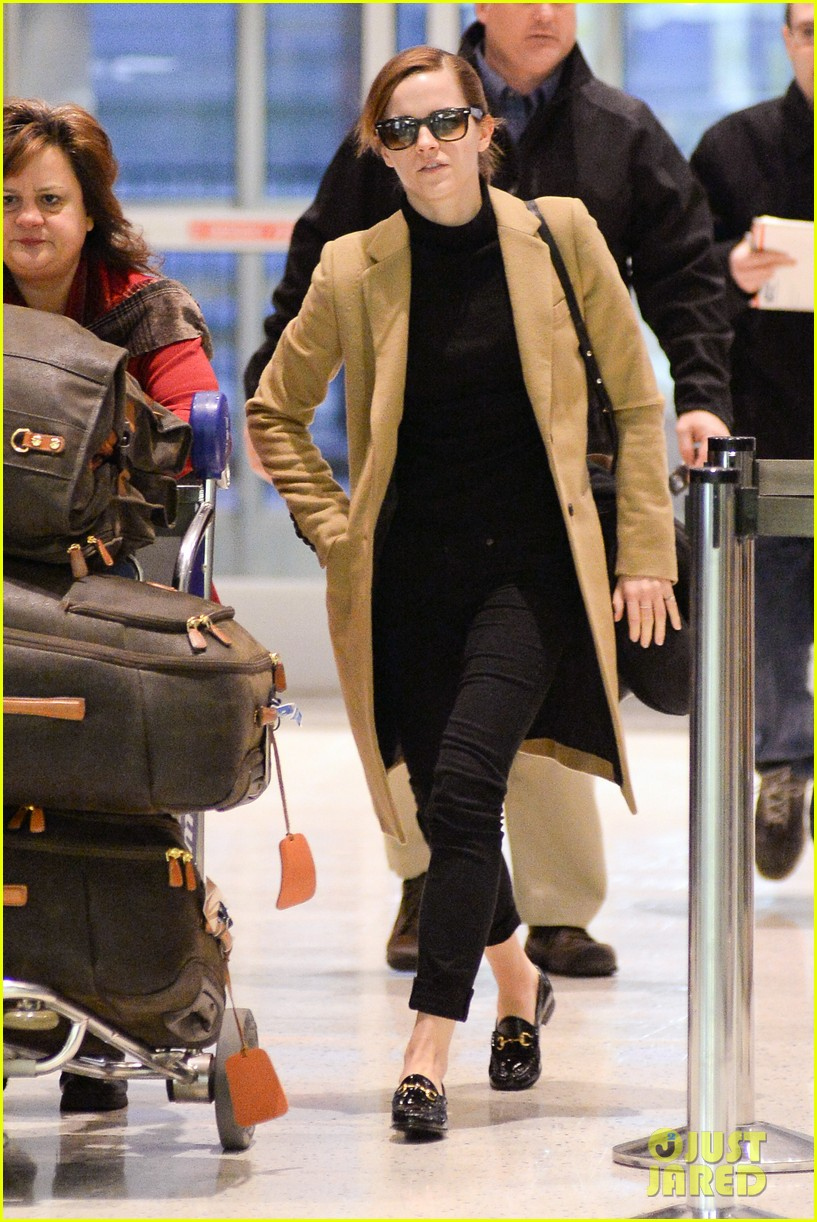 emma watson leaves new york city after quick trip 043037676