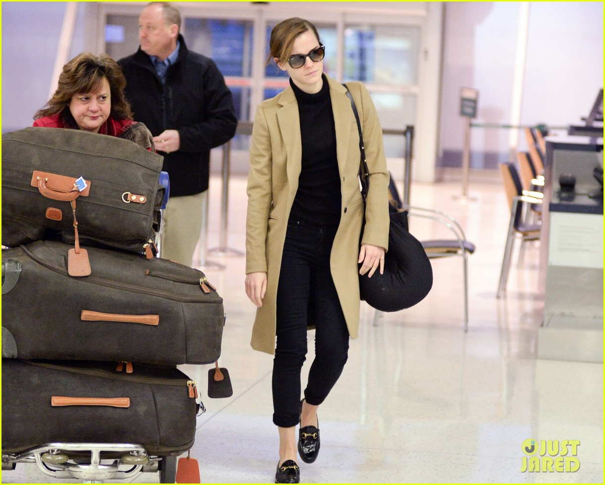 emma watson leaves new york city after quick trip 063037678