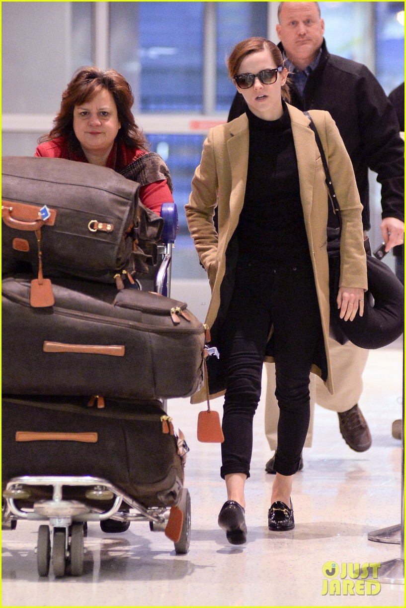 emma watson leaves new york city after quick trip 093037681