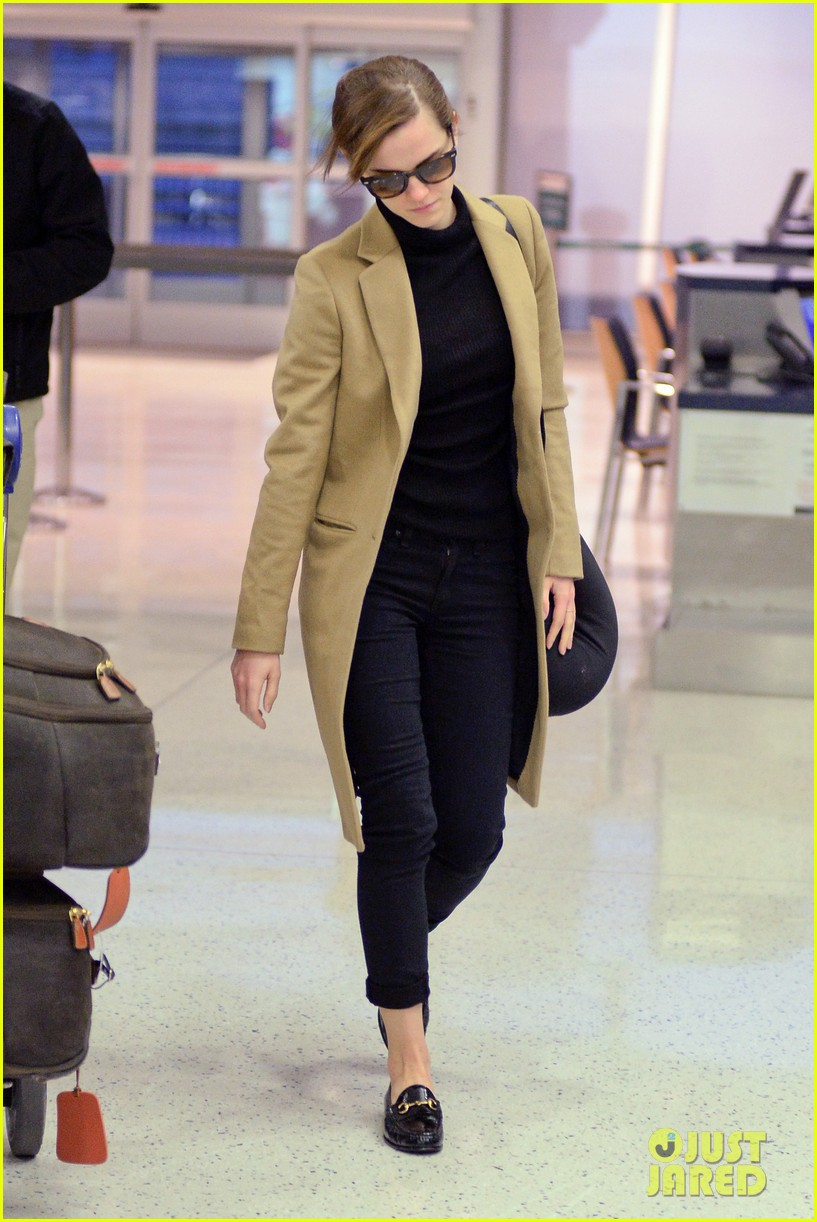 emma watson leaves new york city after quick trip 113037683