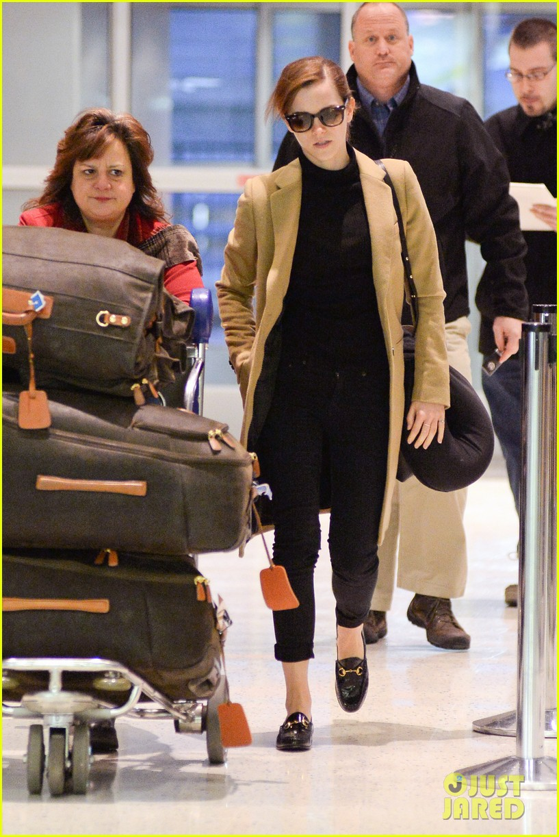 emma watson leaves new york city after quick trip 143037686