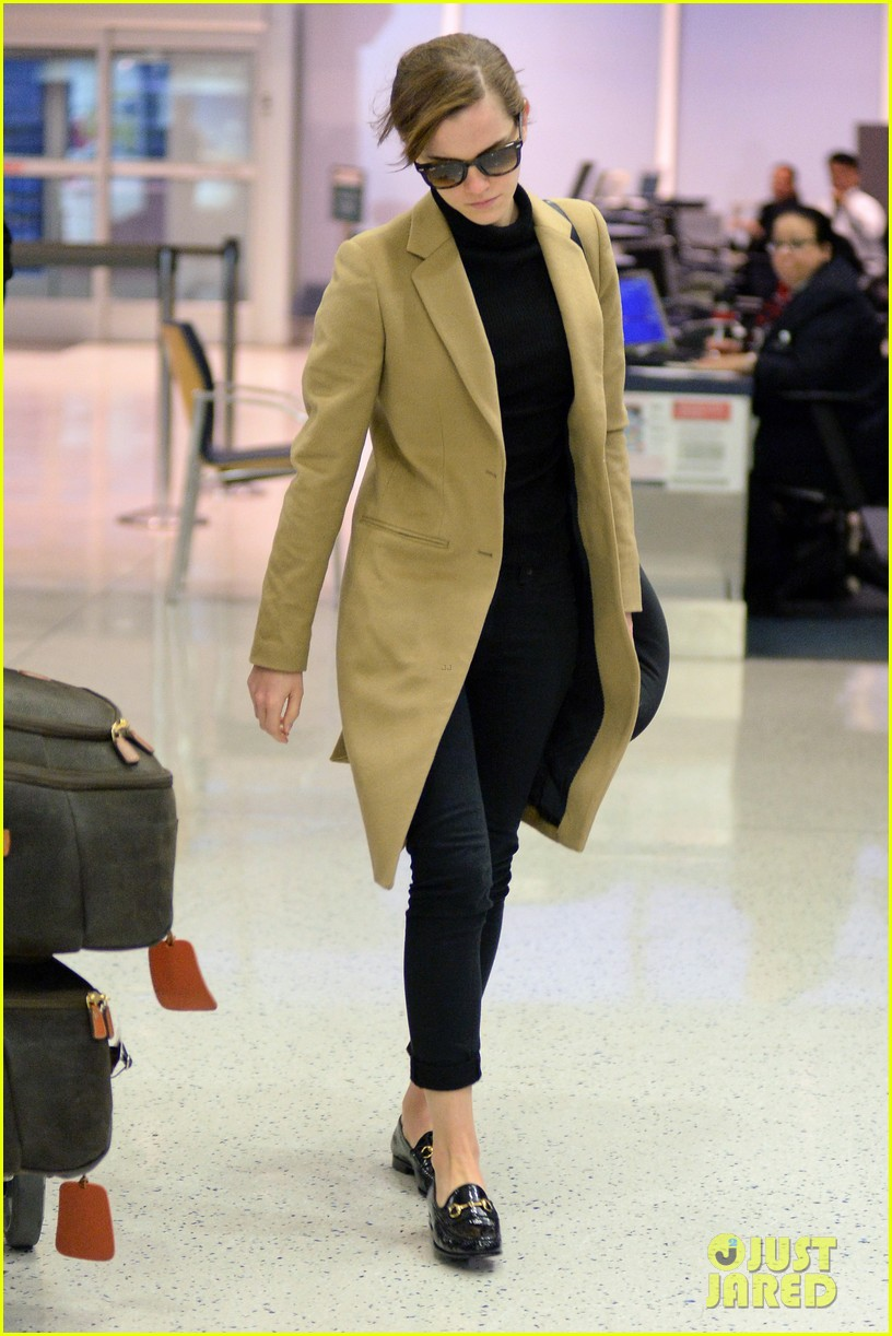 emma watson leaves new york city after quick trip 153037687