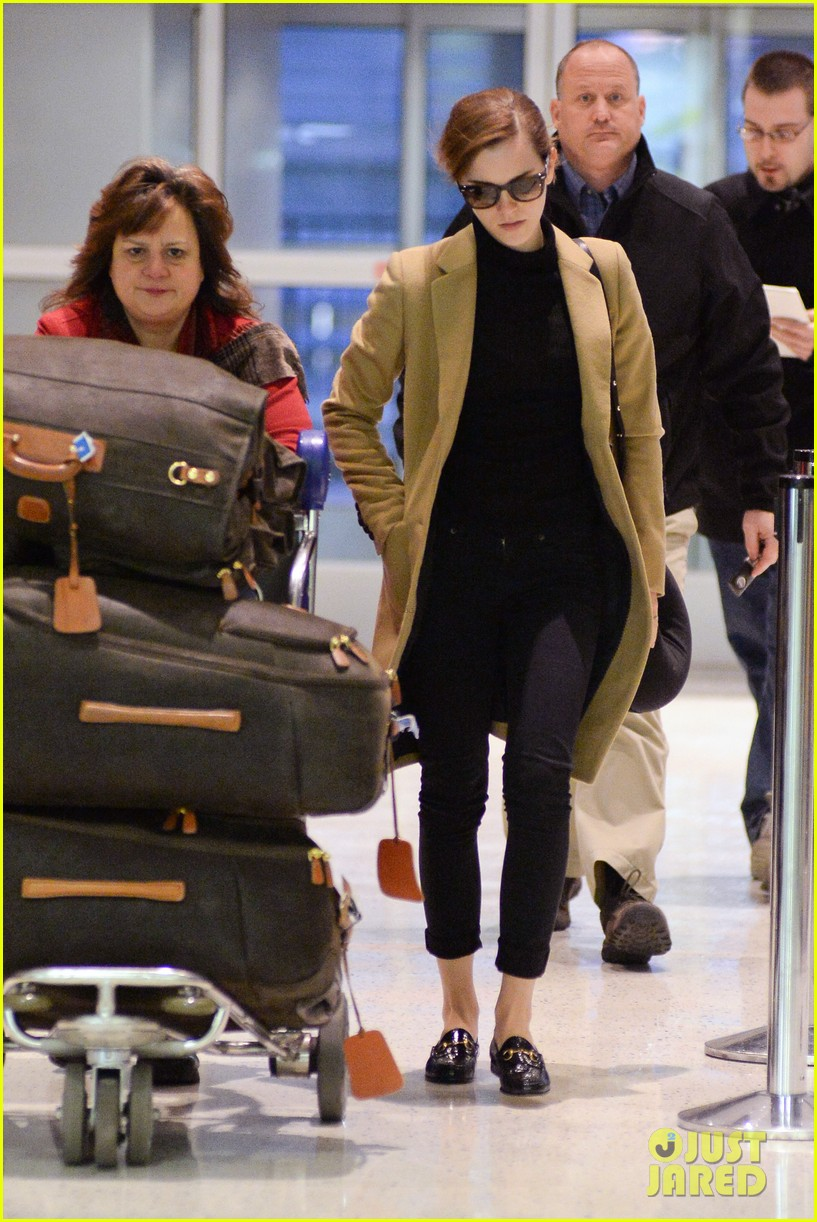 emma watson leaves new york city after quick trip 193037691