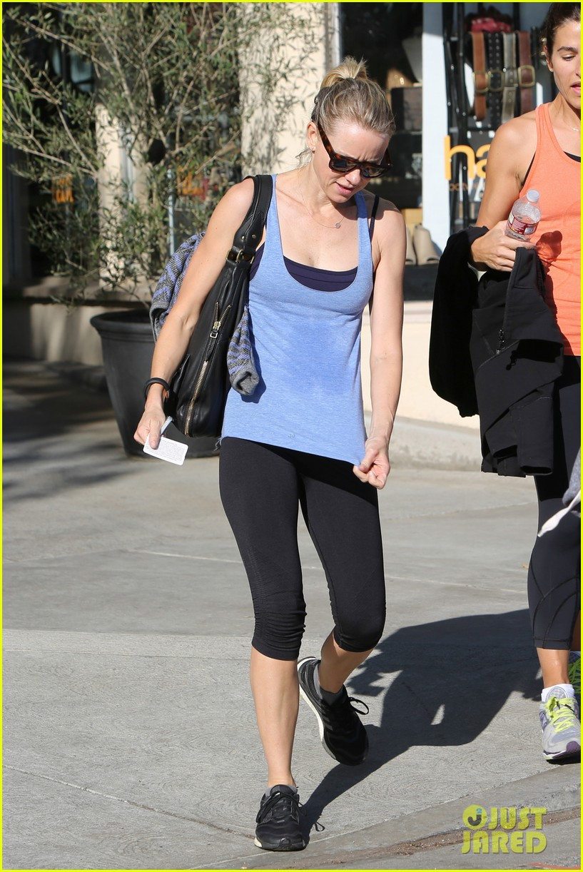 naomi watts keeps busy in brentwood 093039321