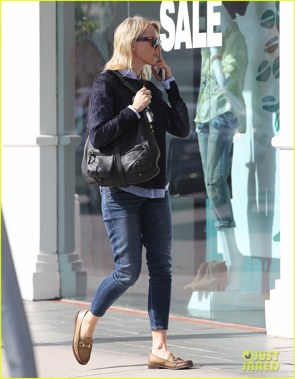 naomi watts keeps busy in brentwood 183039330