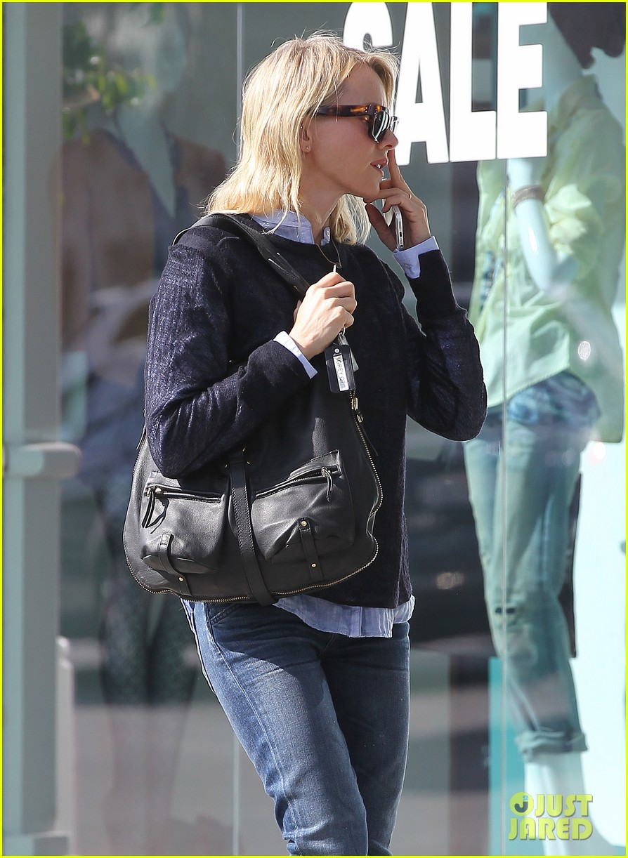 naomi watts keeps busy in brentwood 193039331