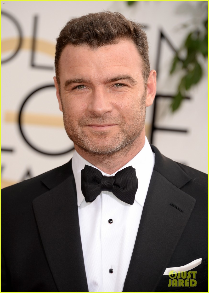 naomi watts liev schreiber golden globes 2014 red carpet 023029157