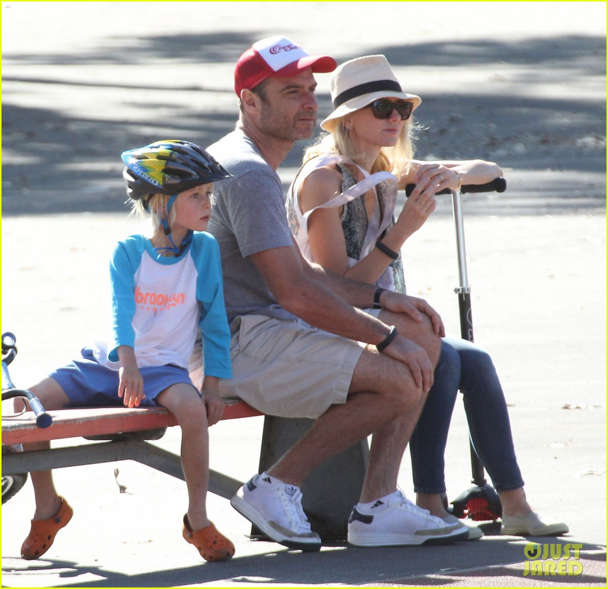 naomi watts liev schreiber run after the kids at the park 05