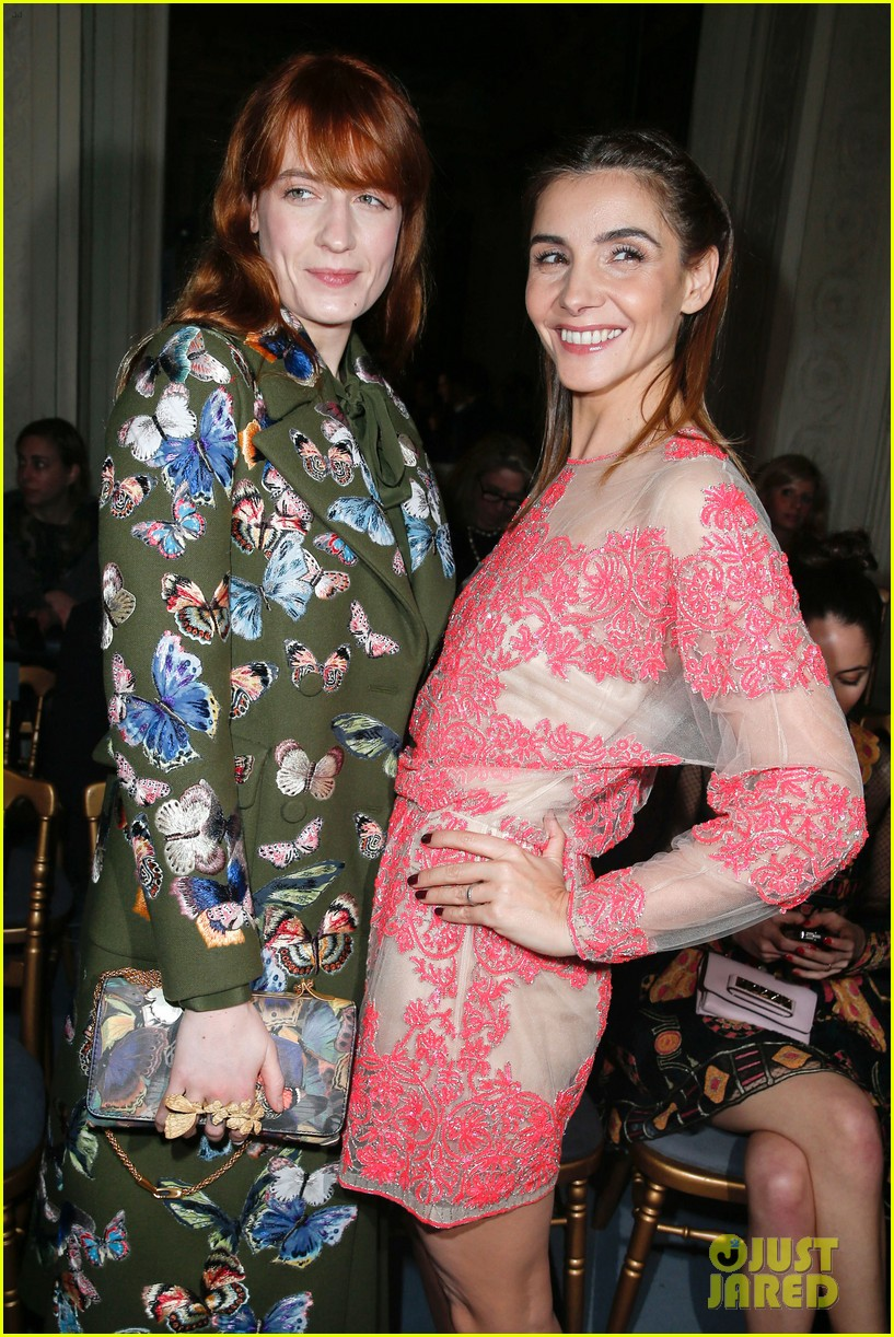 florence welch valentino fashion show in paris 03