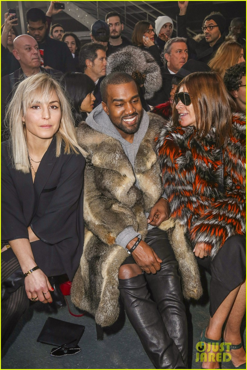 kanye west noomi rapace givenchy fashion show 023033626