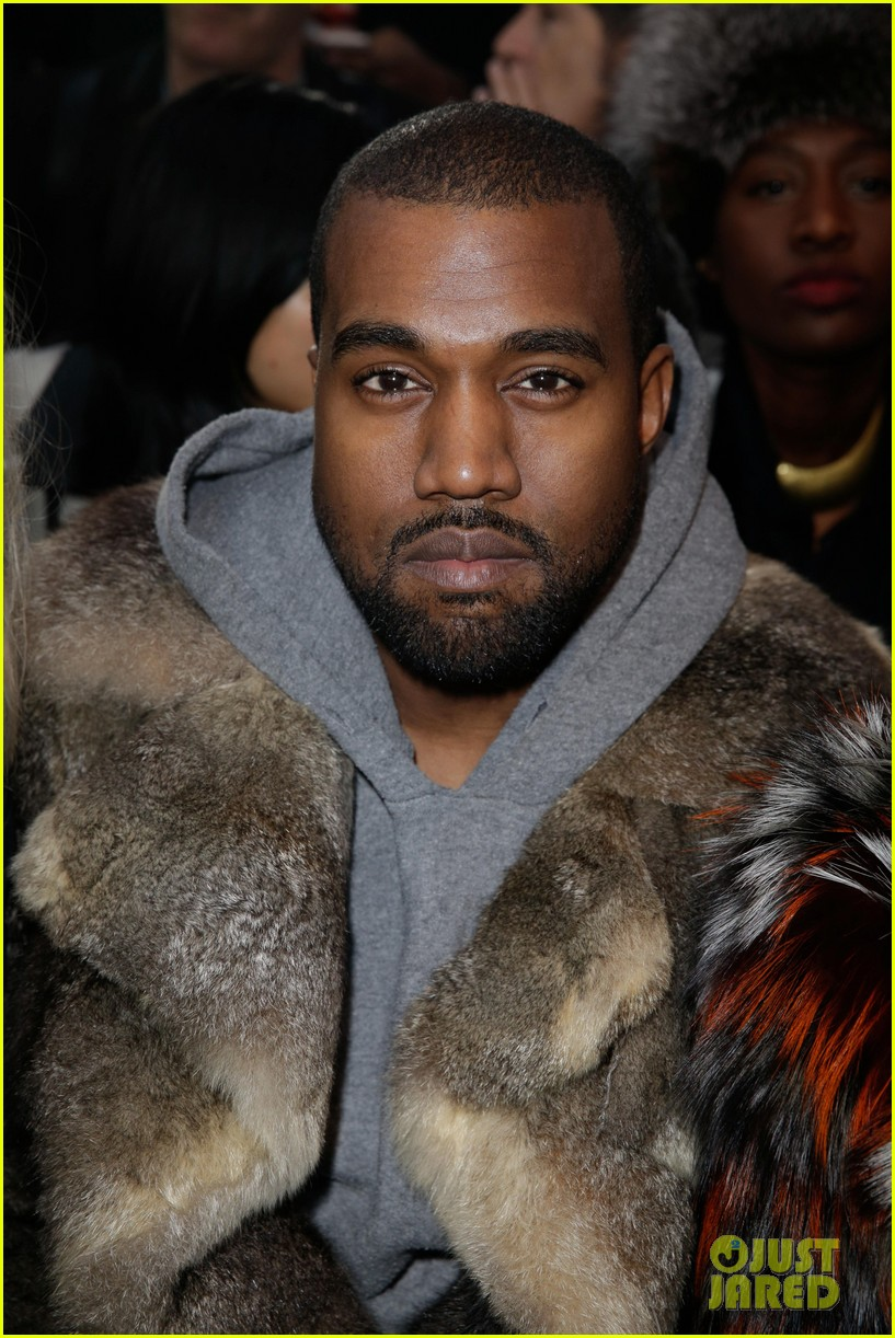 kanye west noomi rapace givenchy fashion show 033033627