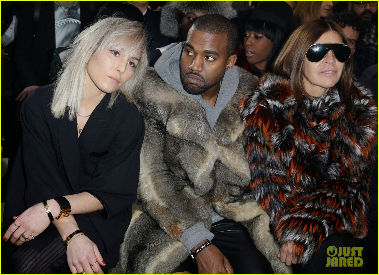kanye west noomi rapace givenchy fashion show 163033640
