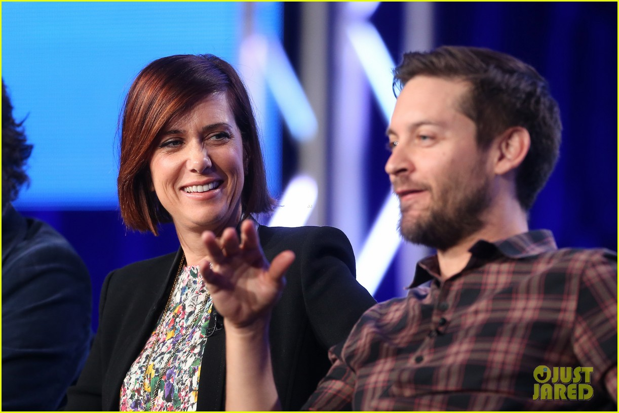 kristen wiig tobey maguire spoils of babylon tca panel 02