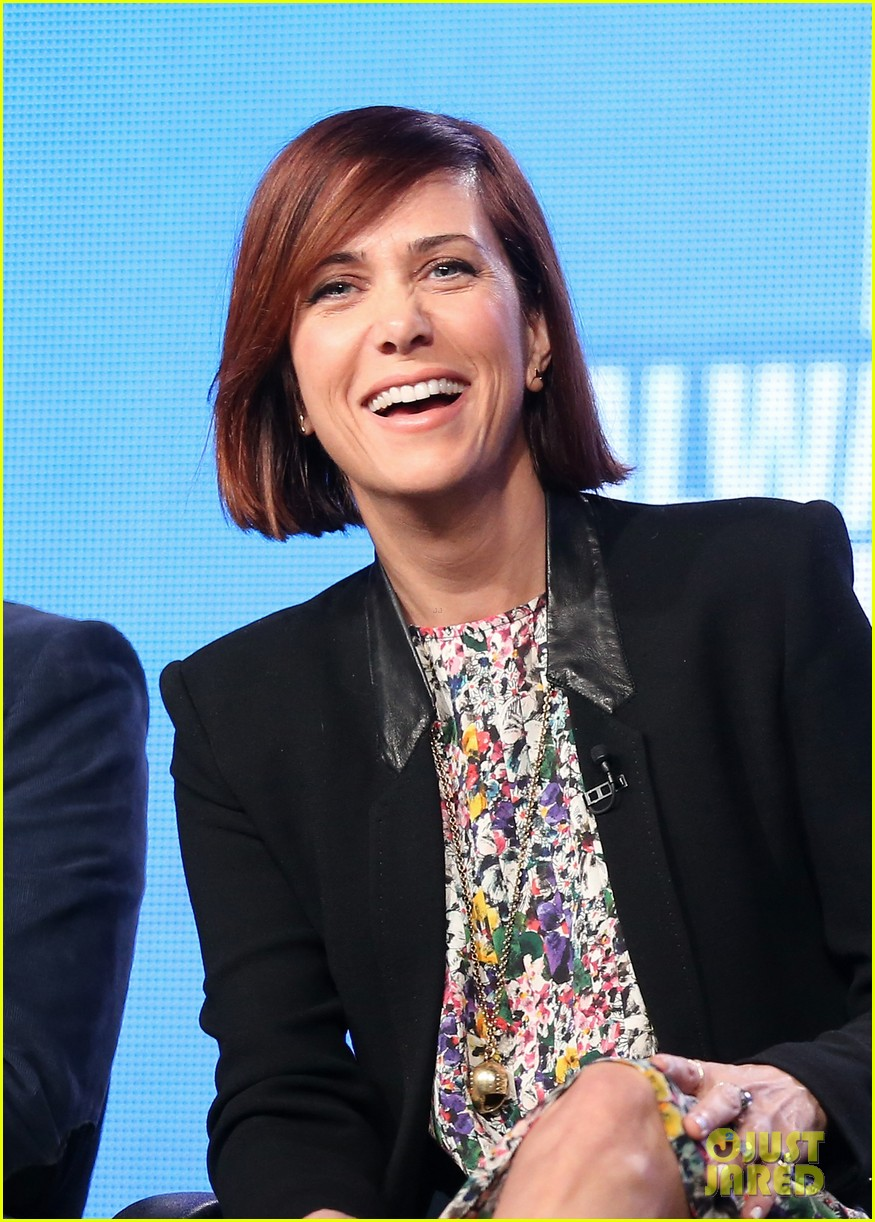 kristen wiig tobey maguire spoils of babylon tca panel 033026418