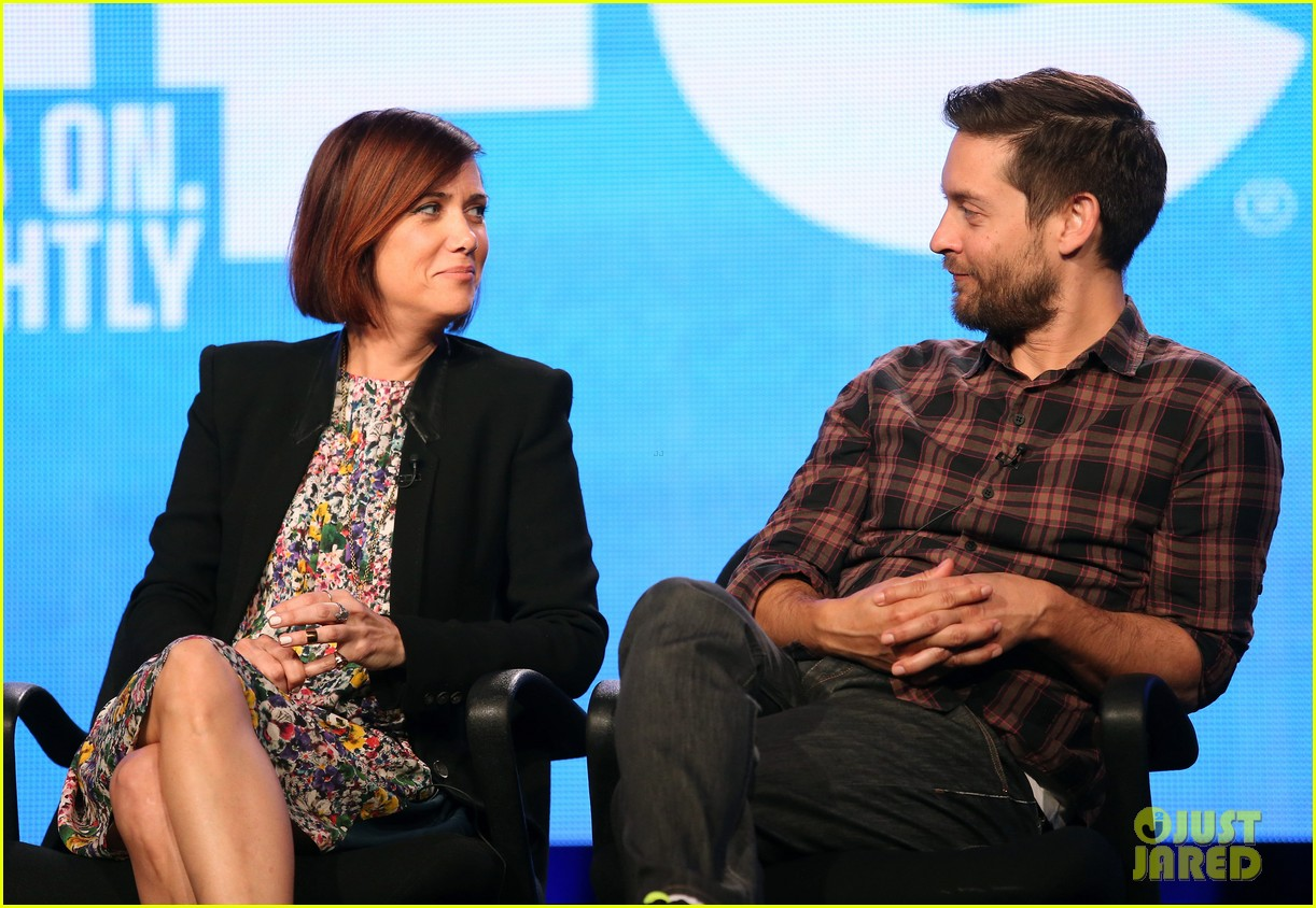 kristen wiig tobey maguire spoils of babylon tca panel 063026421