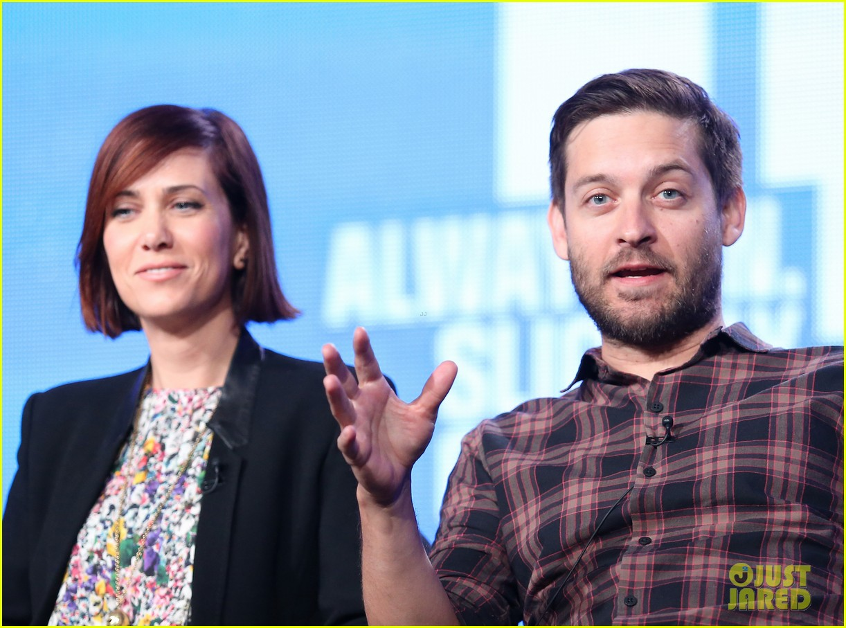 kristen wiig tobey maguire spoils of babylon tca panel 113026426