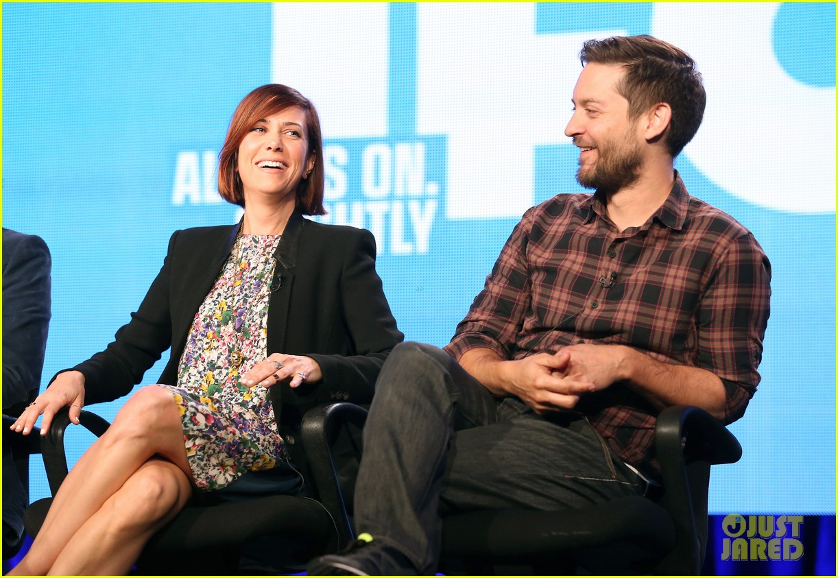 kristen wiig tobey maguire spoils of babylon tca panel 123026427