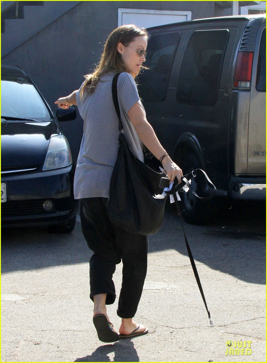 olivia wilde im very happy to see rain in la 083043375