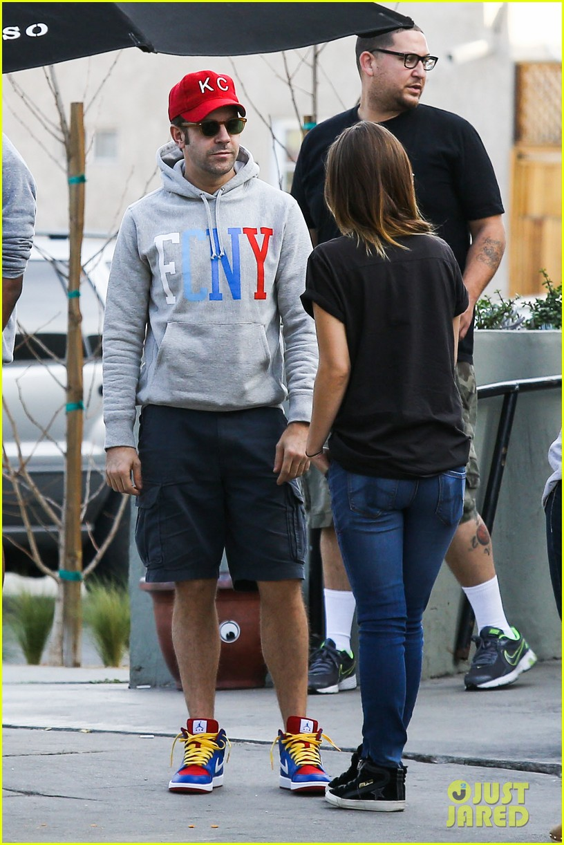 olivia wilde basketball game date with jason sudeikis 273035682
