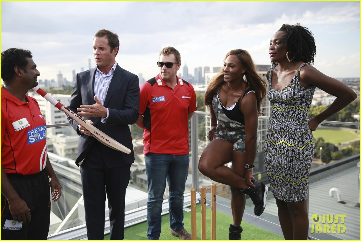 venus serena williams play cricket with the pros 013026367
